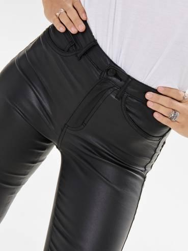 Jeans de tipo encerado en color negro - Only - 15179341 - Uesti