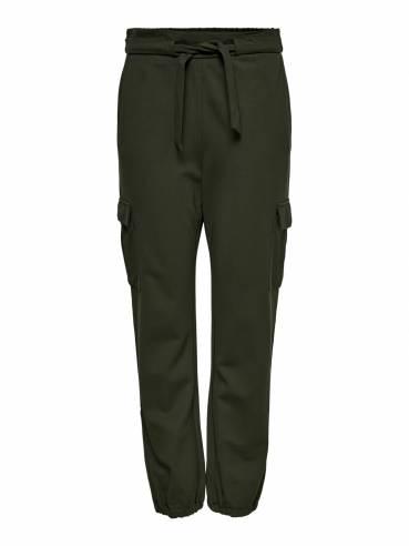 Pantalones de corte holgado tipo cargo color verde militar - Only